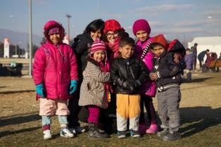 Elisabete with children
